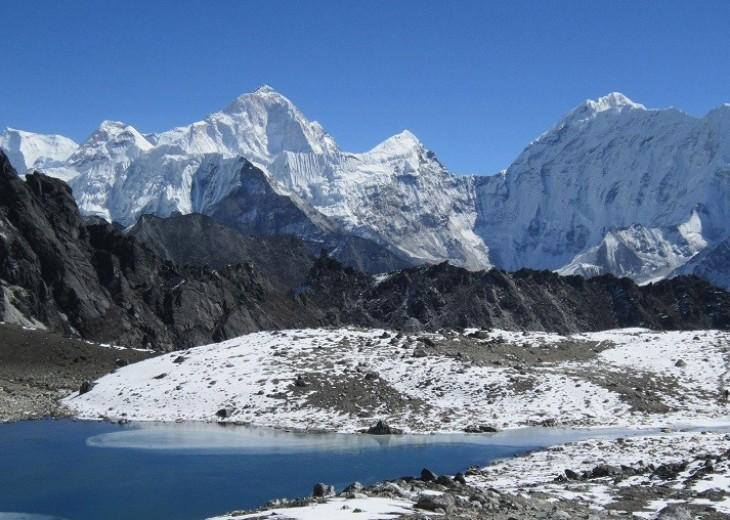 Gokyo Lake & Everest budget trekking